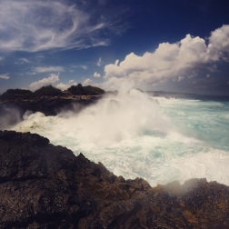 Waves Smashing into Devil Tears, Nusa Lembongan