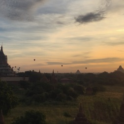 Dawn Balloons | Low Ca Ou Shan, Bagan